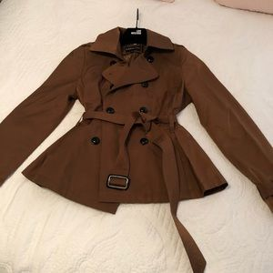 Express short trench coat - perfect for spring